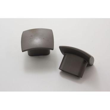 Greb i mørk zink - hulafstand 16mm. Front 30x30mm. Højde 25mm.