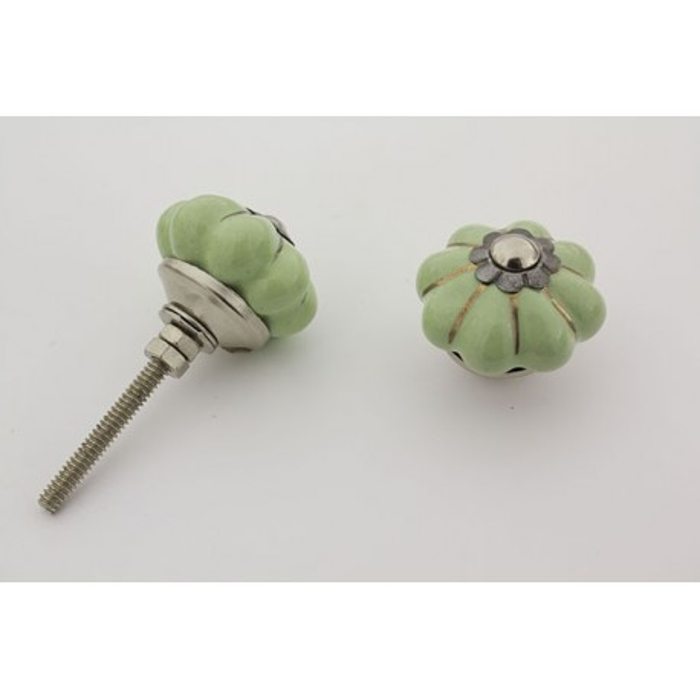 Lille mint grøn håndmalet porcelænsknop med sølv i riller
