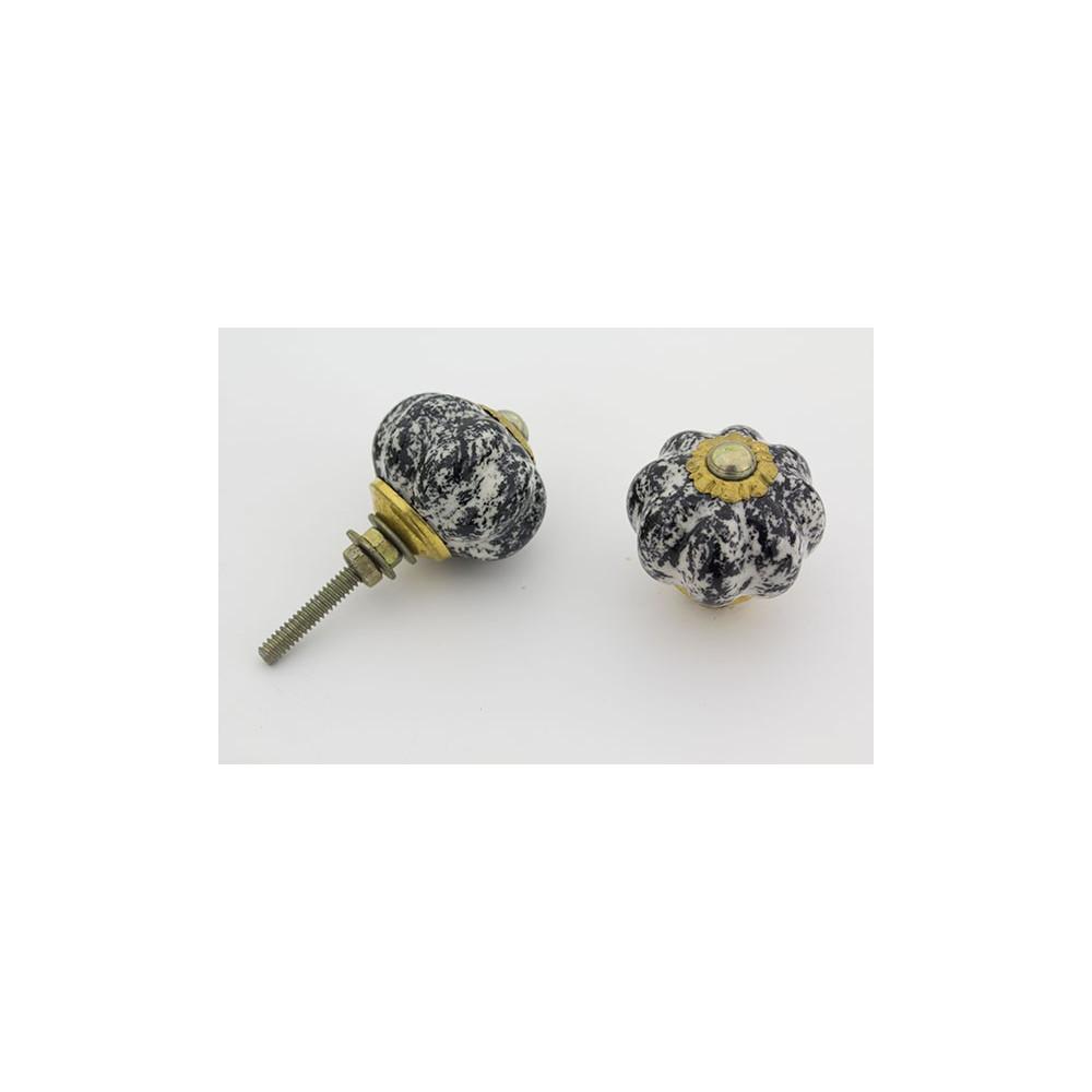 Lille håndmalet porcelænsknop med sort og hvid mønster - få stk på lager