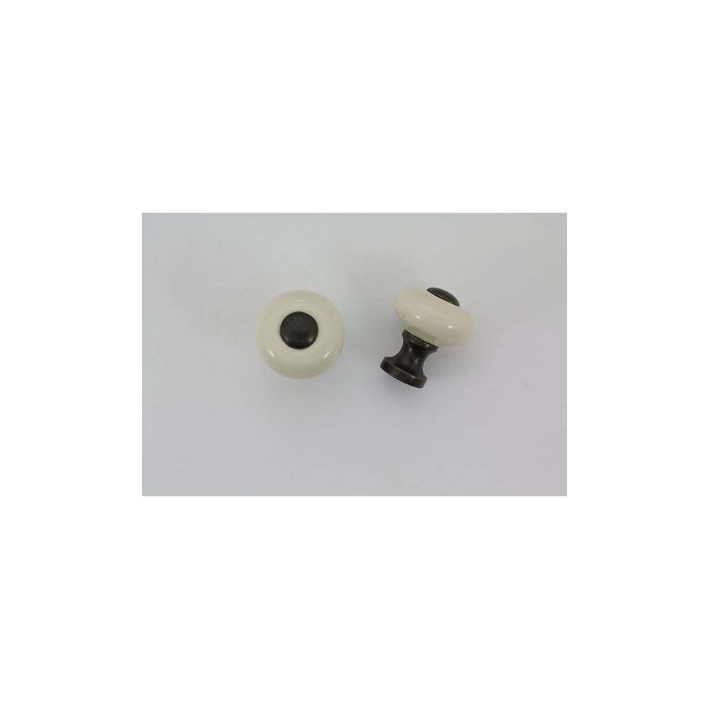 Lille mandelfarvet porcelænsknop
