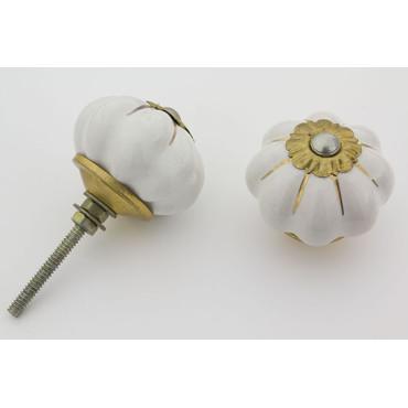 Hvid håndmalet porcelænsknop med guld i riller